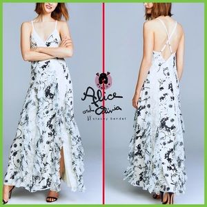 🏷 🆕 Alice + Olivia Cascading White Floral Gown